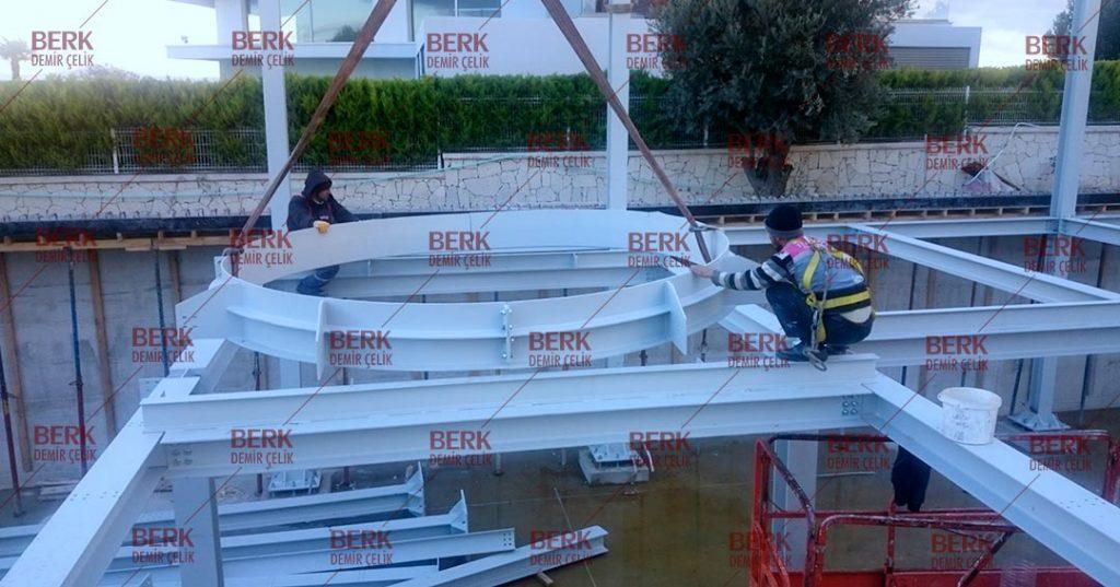 Çelik Yapı_ Merdiven Kovası
